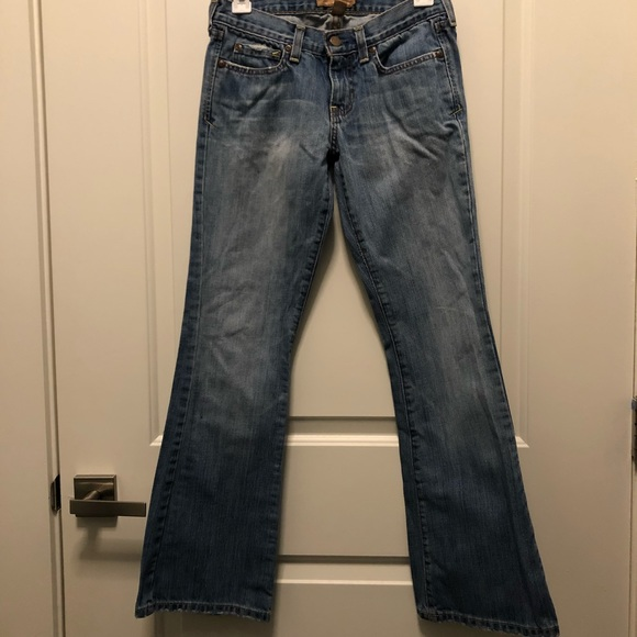 Abercrombie & Fitch Denim - Abercrombie Fitch Medum Washed Bootcut Frayed 0S
